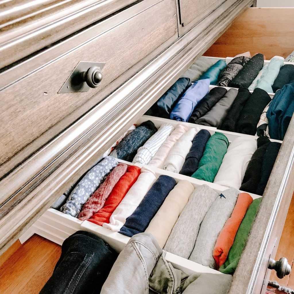 Расположение вещей в шкафу
